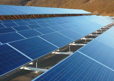 Fotovoltaická elektráreň vo Vlkanovej prevádzkovaná s využitím služieb spoločností HTEnergy a HTMAS.